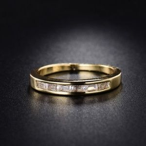 Jewelry - 18kt Yellow Gold Band Ring